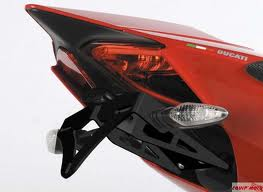 SUPPORT DE PLAQUE R&G RACING DUCATI 899/959/1199/1299 PANIGALE